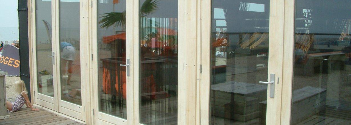 Strandpaviljoen Zandvoort Accoya kozijnhout